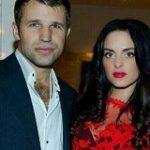 На самом деле.  Выпуск от 11 декабря 2020 У известного актера Тимура Ефременко есть внебрачная дочь?